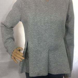 Chelsea28 gray sweater size m